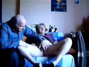 Masturbando minha mulher velha vagabunda