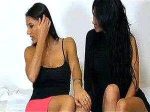 Sofia & Valeria italian live lesbo, morena em