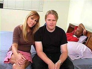 Corno, uma esposa cuckolding sua cara com um macho