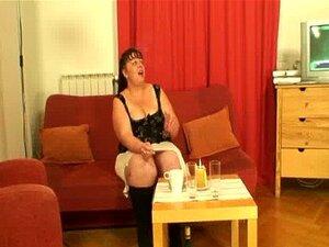 Entrevista com mulher gorda leva a ménage à