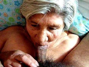 Facial e 79 ano de idade vovó chupando