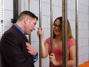 O advogado e o seu cliente preso a foder durante