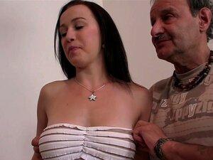 Amigo do marido transa com sua esposa quente