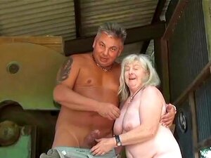 ano 72 velha vovó dá um boquete e fica fodida