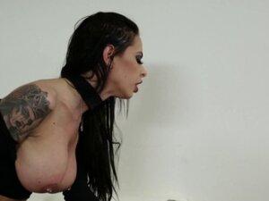 Kinky goth ho facialized