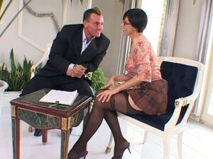 Delectable short haired woman Eva Black gives