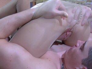 PantyhoseJobs Video: Barbara and Claudius, Looks