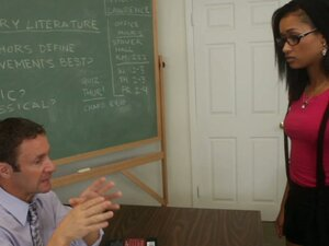 College student girl Skin Diamond wants to learn