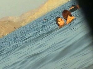 Nude beach voyeur images with sexy babes