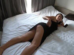 Curvy amateur Asian girlfriend banged hard on