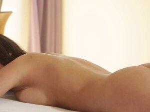 Vag rub les lick masseuse