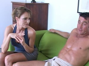 Horny mom Saskia is interested in the young guy in