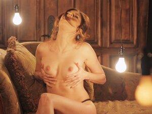 Solo brunette MILF model Shyla Jennings