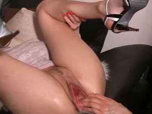 Gigantic vaginal bottle fuck and fisting
