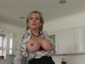 Unfaithful british mature lady sonia showcases her