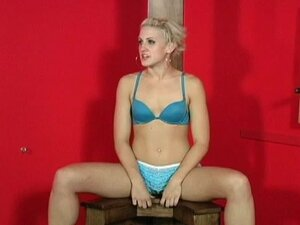 Tied babe with gag in her mouth loves to feel pain