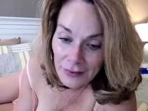 Fingering wet hairy pussy on webcam show