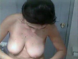 Punjabi Mature Aunty Shower, Mature punjabi aunty