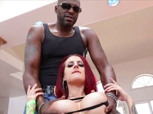 Tana Lea flashes tits and pussy to get an