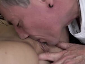 Babe Loves to Fuck Mature Man