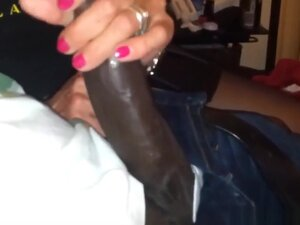 Elderly woman shows off her amazing cock sucking
