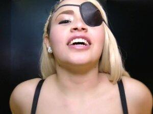 Follando a la pirata