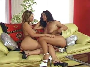 Simony Diamond and Angelica Bella