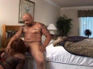Voluptuous Black Slut Takes It Anal