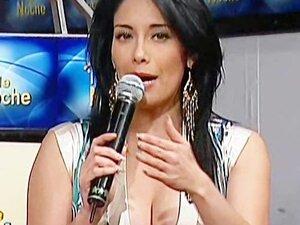 Sugey Abrego Upskirt Tanguita Bailando TV Noche