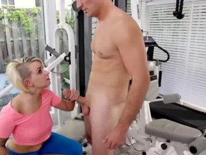 Pressley Carters pussy rammed by trainers big cock