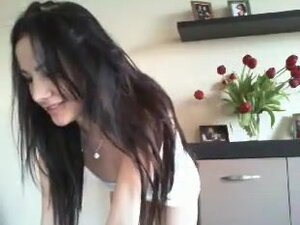 Turkish Brunette Lady Cums on Cam