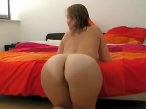 Bubble butt GF shows off the goods, My lush bodied