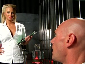 Blonde doctor babe Jessica Nyx fucked in prison