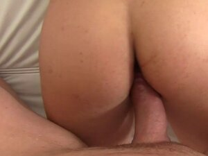 Blonde amateur poses nakes in casting