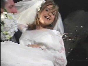 Horny Couple Fuck On Wedding Night - Un-Plugged