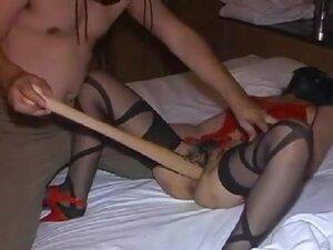Masked tramp enjoys getting her fanny toyed