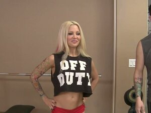 Pretty Helly Hellfire fucks her fitness instructor