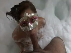 Penelope - orall-service-sex in the jacuzzi,