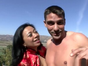 Asian MILF Lucky Starr loves to get fucked,