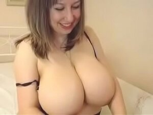 Chubby romanian milf showing in front of the cam