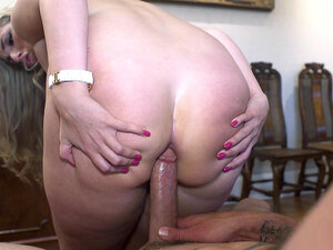 Paige Turnah letting her lover fuck her ass while