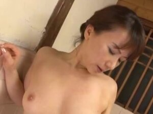 Reiko Makihara in the bath ending with cum on