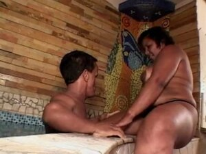 black plump mature with big titts gets boned by