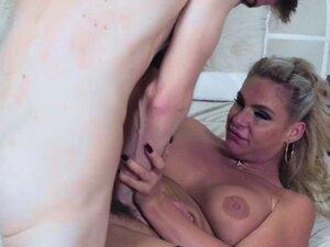 Danny D feeding Phoenix Marie his large cock