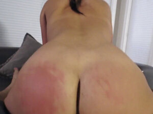 Big ass girlfriend rides big dick