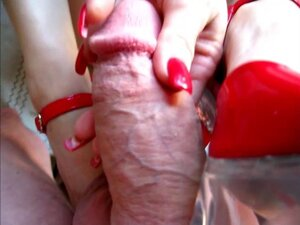 SQUIRTY'S RED 6 INCH HEELS