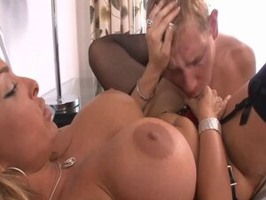 Holly strapon #1