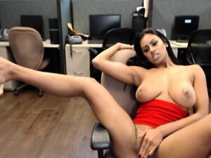 hot indian girl webcam    by oopscams