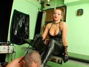 hardcore femdom fetish with nasty babe whipping