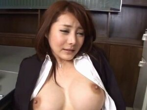 Mei Sawai fonldes her cans while is pumped